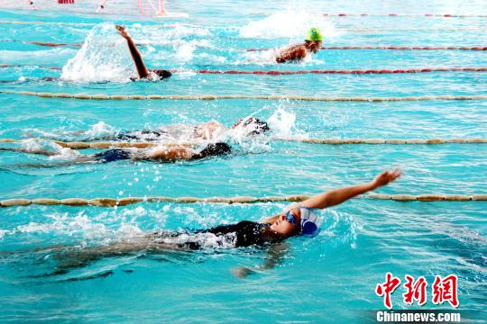 缅甸国家游泳队队员积极备战第29届东南亚运动会。