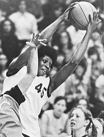 NBA历史上的今天:勇士总决赛胜骑士