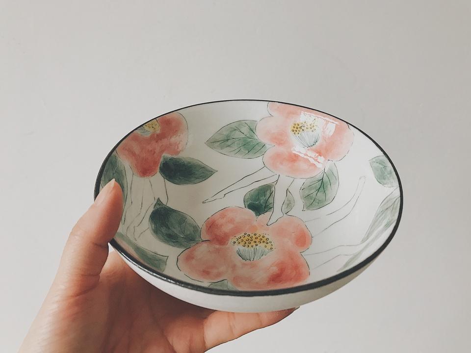画一个好看好吃的盘子