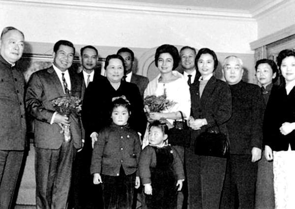 而叫宋庆龄妈妈的两个女儿就是隋永清,隋永洁.