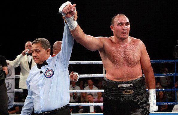 乌斯季诺夫欲与奥昆多争夺WBA普通拳王