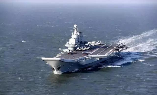 战斗机--13架歼-15同框辽宁舰 预示中国航母多方进步