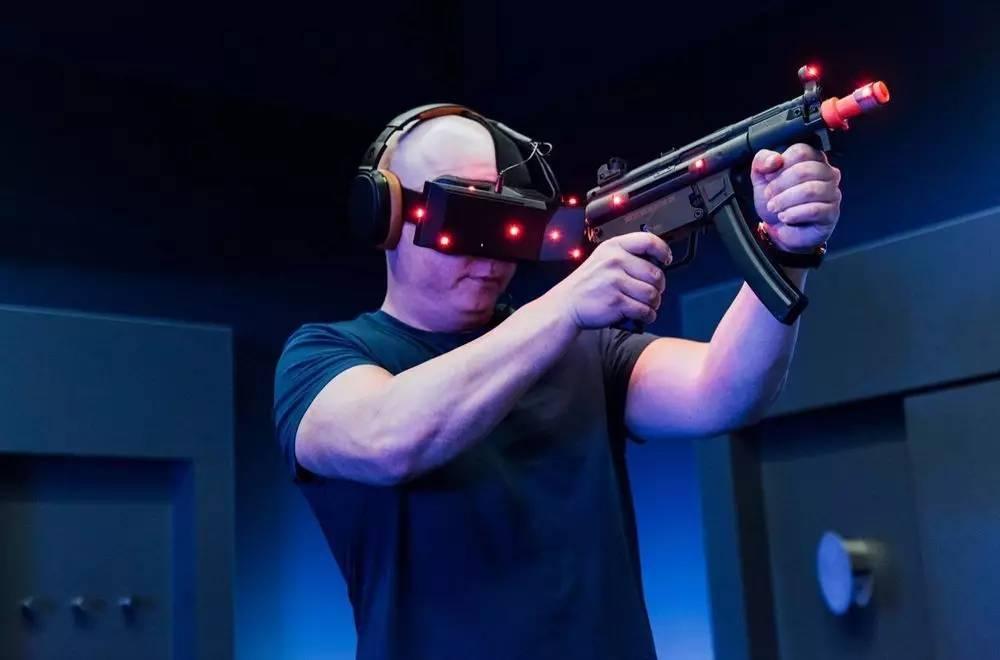 "VR技术力图打破""市场冷遇"",亲民路线从1美元/分钟的体验价开始"