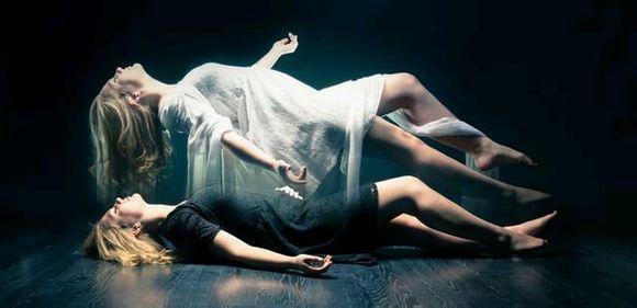 有一部小说主角因为车祸灵魂穿越火影世界生活了六十年但是灵魂又回到