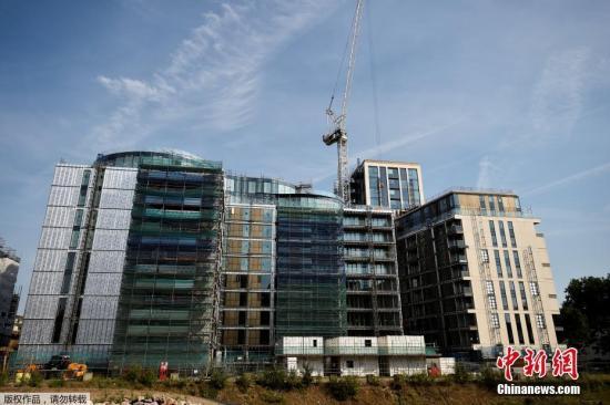 伦敦公寓大火:约600座大楼使用类似外墙材料