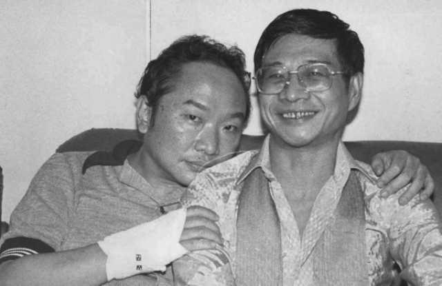 古龙(左)和倪匡(右)