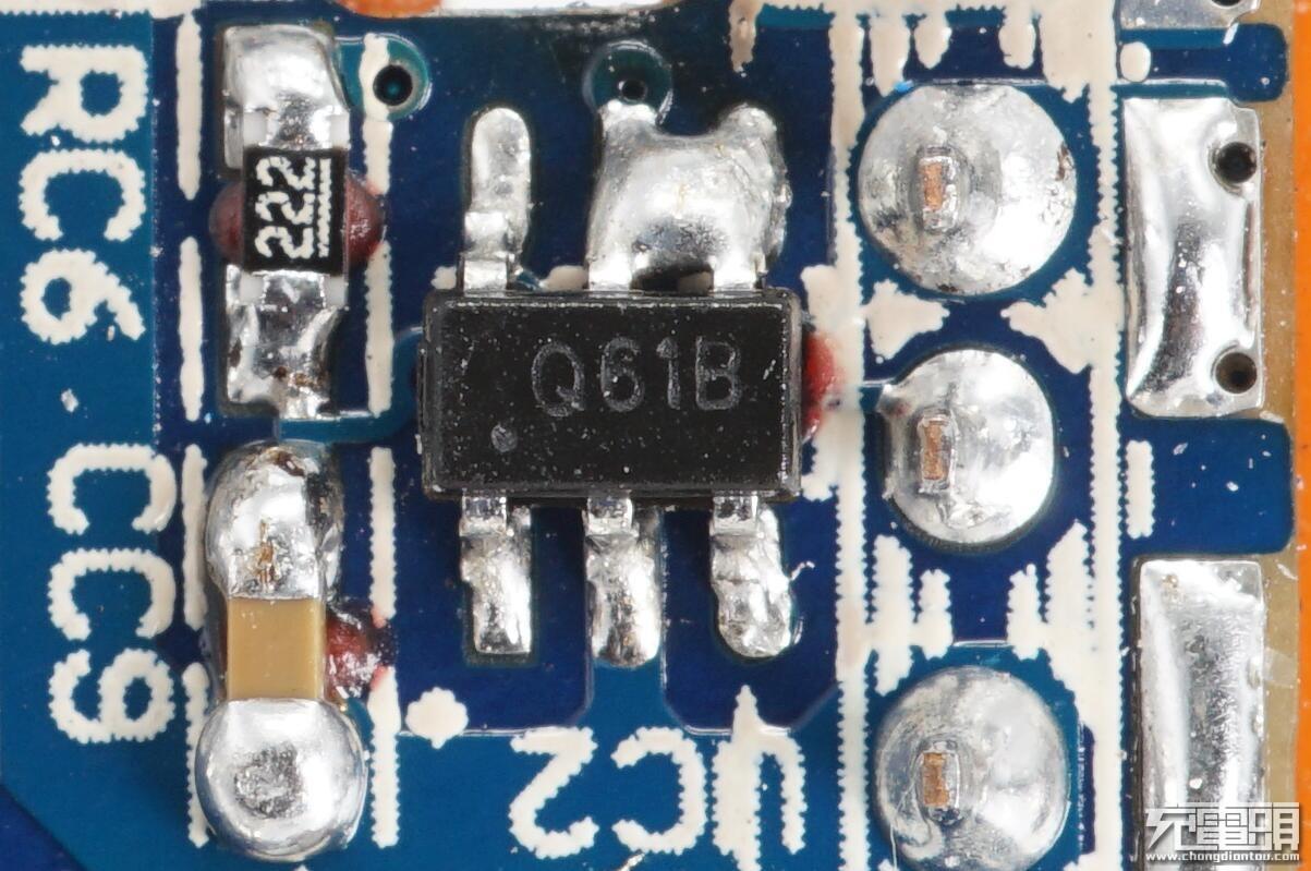 英集芯IP2161支持QC3.0/QC2.0,华为FCP,三星AFC,展讯SFCP,苹果2.4A,BC1.2协议,同时支持自动选择快充协议或者普通充电控制,现已通过高通认证,证书编号478786303-2,66uA的超低静态功耗,节省空间的SOT23-6封装。