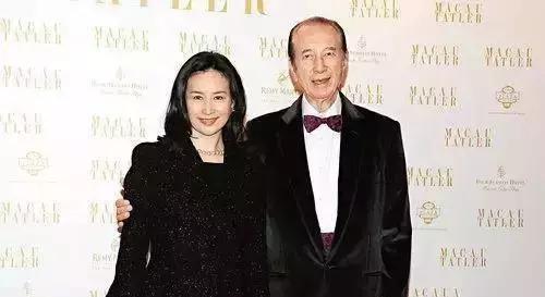从许晋亨前妻到赌城女王,何鸿?的百亿帝国接班人为何是她?