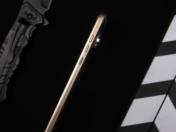 Moto Z2 Play图赏:模块化设计/5.99mm超薄