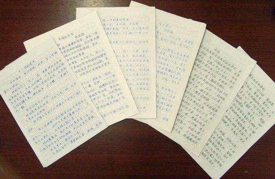 小学生作文赛查出40篇抄袭 网友:扶老奶奶的套路都被用烂了