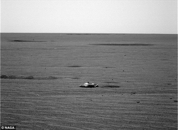NASA在火星发现高科技飞船遗骸:外星文明新证据