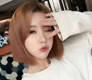 赵丽颖秀短发新造型,夏季要选择适合自己的清爽发型!图片
