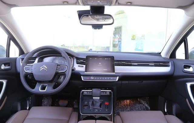 6月上市新款轿车,哪些值得买?宝马长轴距新车最吸睛