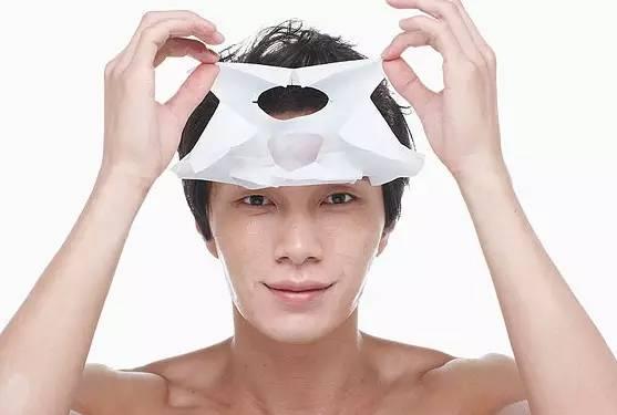 戳进来_鹿晗李易峰护肤化妆就是娘?可家里的糙汉用香皂洗脸就真的MAN吗。。。