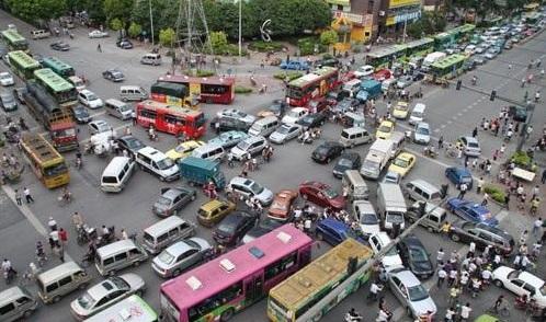 红绿灯故障出了事故怎么算?3大红绿灯前司机不知道的事