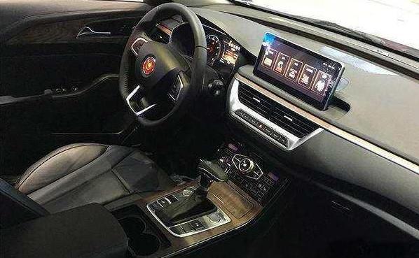 红旗H5实车亮相,采用阿特兹平台,高颜值涡轮动力卖15万必火