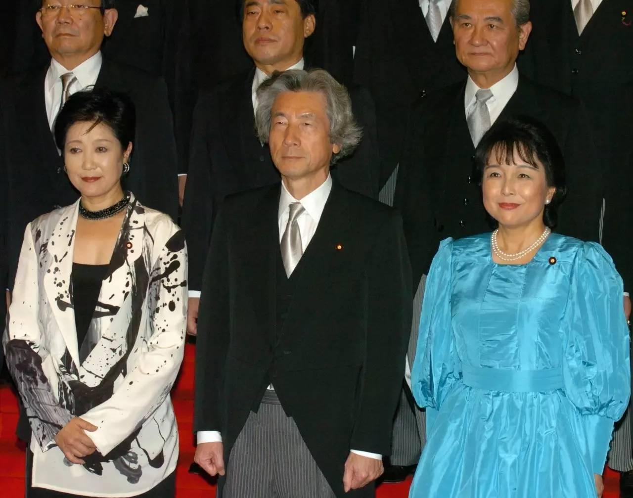 这个日本女政客和前首相传过绯闻,又让现任首相颜面扫地