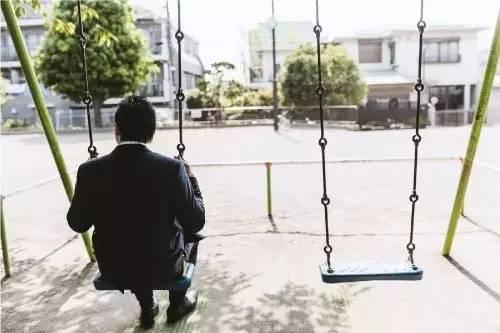 """日本走向""""超单身社会"""" 男女原因大不同"""