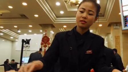 缅甸小勐拉美女荷官发牌过程