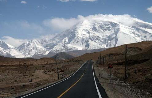 """中国人修建的这条公路被巴铁视为""""世界奇迹"""""""