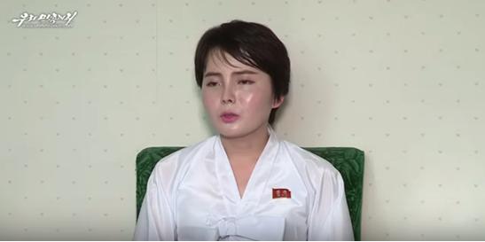 """170717《环球网》:""""脱北""""女艺人上朝鲜节目 控诉""""在韩生活如地狱"""""""