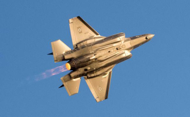 战斗机--英国购买F-35战机:贵得离谱 状况百出