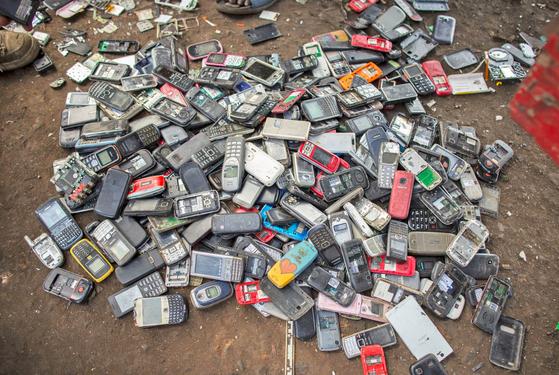 电子垃圾被随意丢弃
