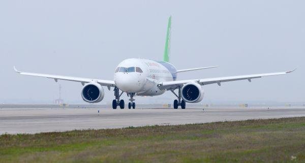 中俄加新客机或打破空客波音垄断 美媒:中国客机威胁最大