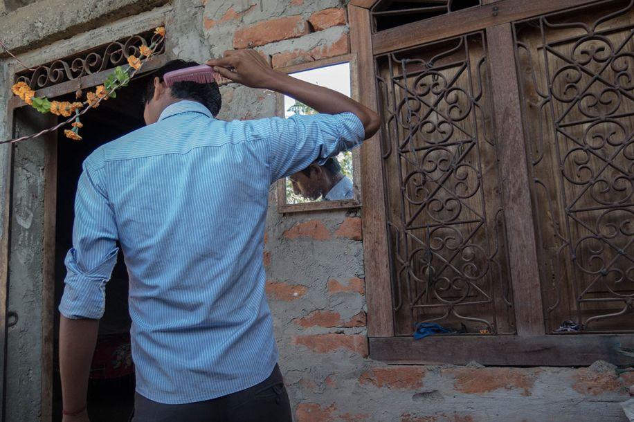 移民风暴下的尼泊尔:他们为生计与家人分开