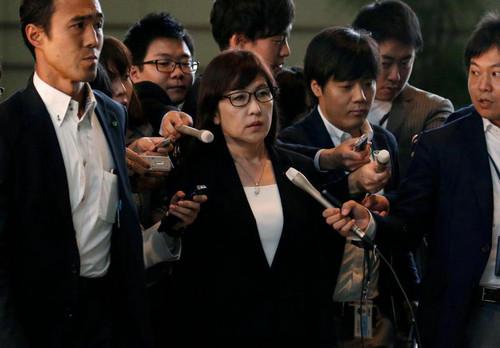 日本女防相四面楚歌 矛头直指安倍:袒护稻田给予极端优待