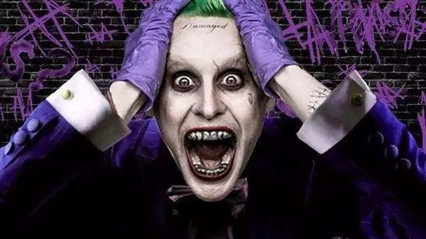 在2016年的《自杀小队》中同时登场的小丑,小丑女,可说是 dc 最亮眼图片