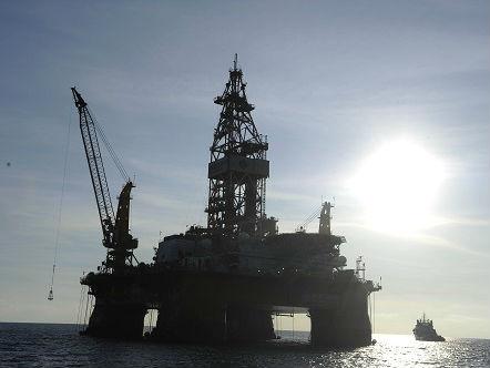 美媒:越南在中国发出强硬警告后停止南海钻探作业