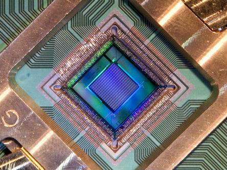 美媒:美国欲借量子科学赶超中国在超算领域领先地位