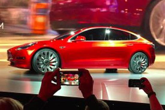 首批Model 3今日交付 特斯拉未来取决于此