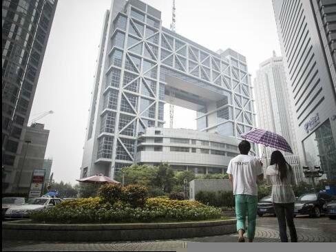 美媒称外国投资者关注中国股市 出奇招调查上市公司