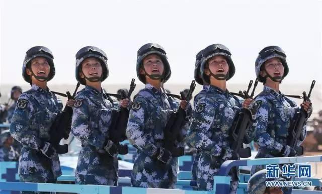 朱日和时刻--中国人民解放军建军90周年阅兵式