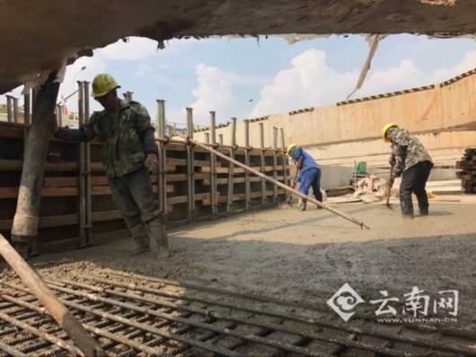 3米,标准段开挖深度约17米,安全等级为一级,车站防水等级一级,总体