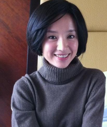 董洁时隔五年微博晒美照 陈坤亲吻示爱