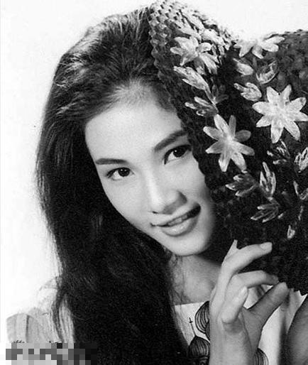 她美貌曾不输林青霞 为生子流产四次!