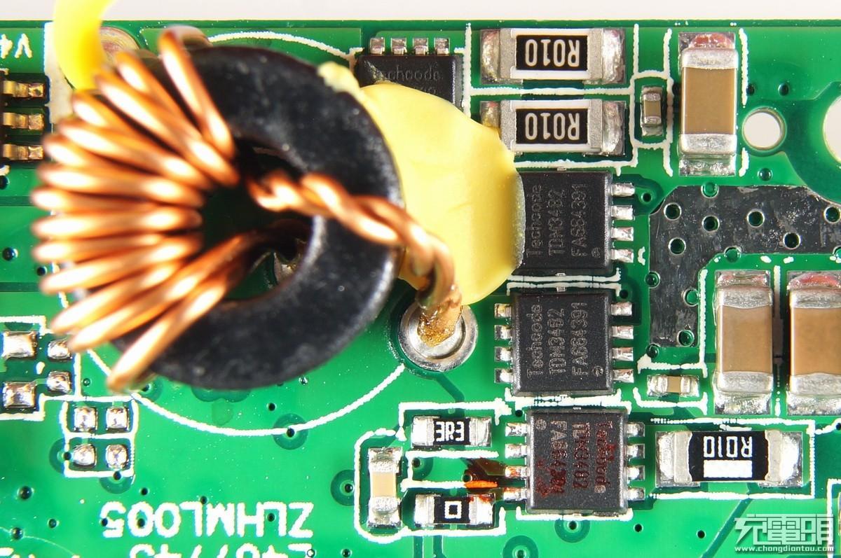2组运算放大器(op-amp),2组比较器电路,3组pwm产生器,3组16位元计数器
