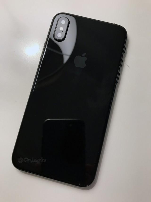 再曝苹果iPhone8真机模型外观就这样了