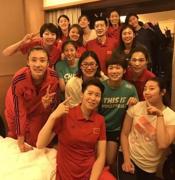 安家杰遭质疑!中国女排队员却集体支持主教练,包括郎平!