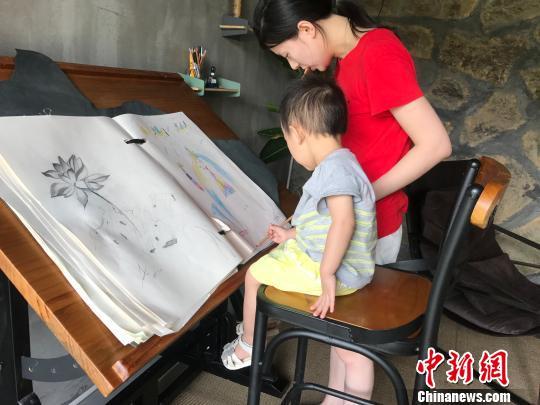 古堰画乡处处充满着艺术气息 奚金燕 摄