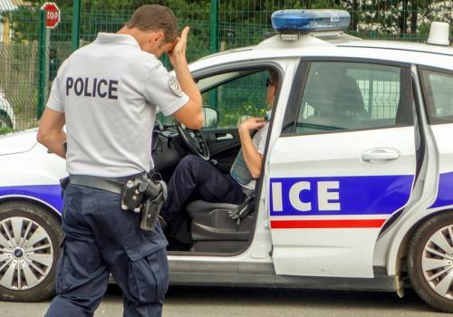 """欧时:治安堪忧法国欲恢复""""片警""""制 引发争议"""