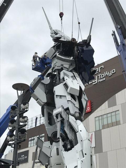 日本等身高继任者独角兽亮相 这施工场面堪比动画片
