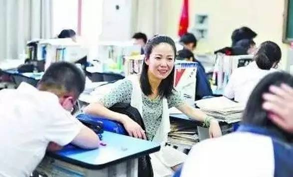 """武汉这个高中老师火了!""""最燃""""演讲爆红"""