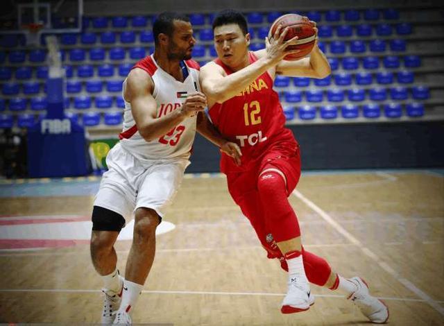 太神奇了!中国男篮一战打出三位神投手,他们命中率均为100%!