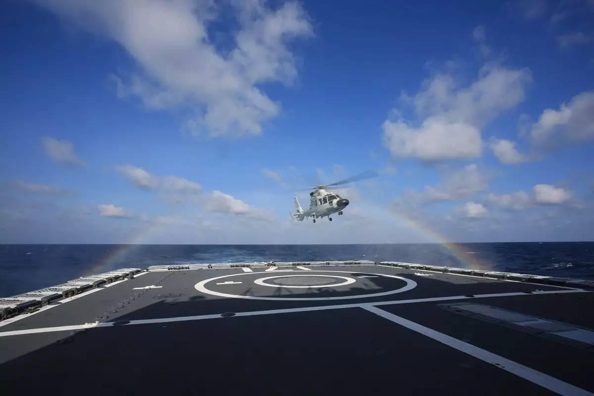 军事枪械--海上实兵实弹演练图震撼发布