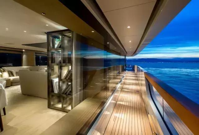 带有地中海风情的意大利游艇 带给您高端的生活方式