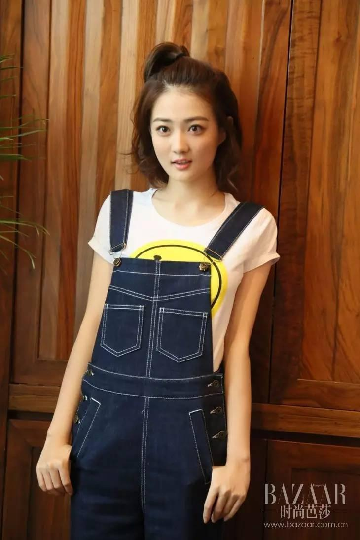 赵丽颖张天爱都爱穿背带裤?无论多少岁,它都能带你回到少女时光!